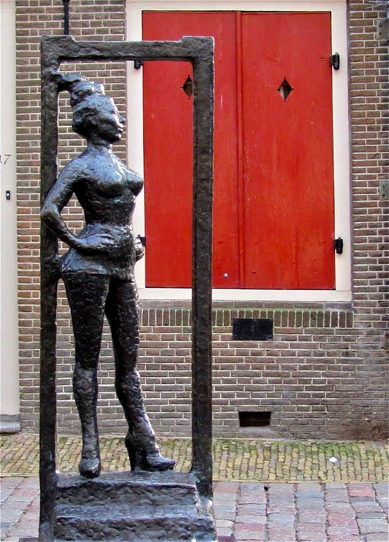 Belle, a estátua dedicada as profissionais do sexo